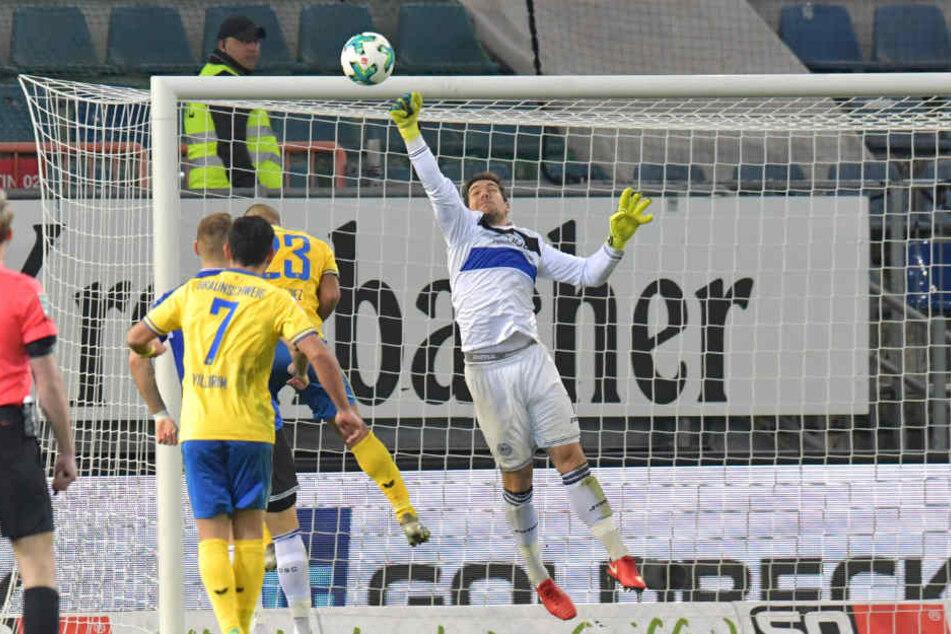 Keeper Stefan Ortega hat schon so manchen Ball gefangen.