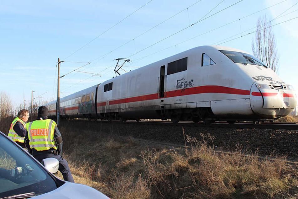 Nach dem Unfall war die Strecke Berlin - Hamburg für mehrere Stunden gesperrt.