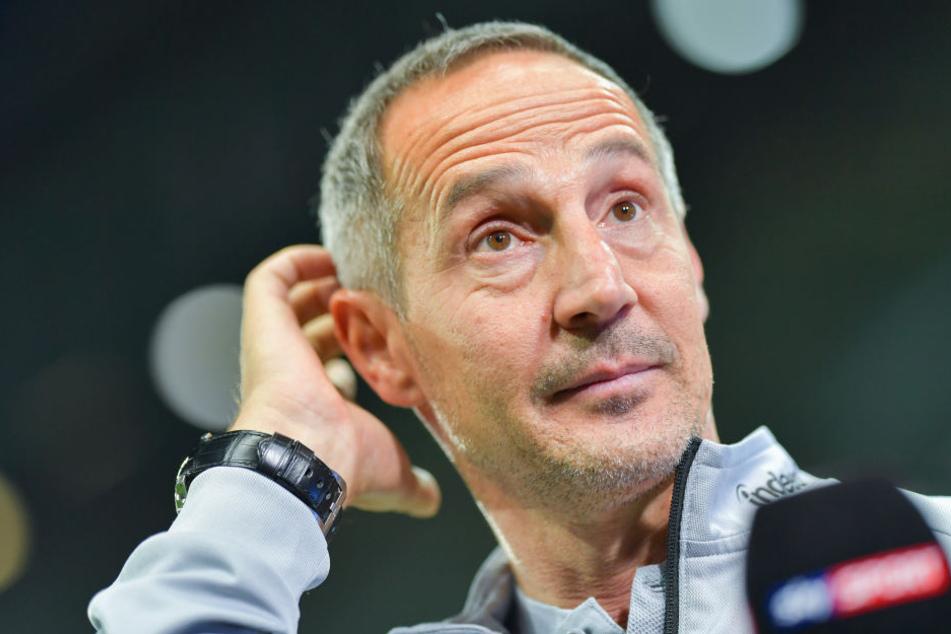 Adi Hütter stellte bei der Pressekonferenz vor allem die Abwehrleistung der vergangenen Spiele in den Vordergrund.