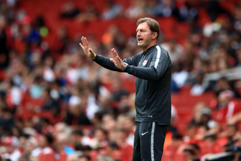RB-Coach Ralph Hasenhüttl (hier am Rande des Emirates Cups in London) hat sich von einer festen Stammformation verabschiedet.