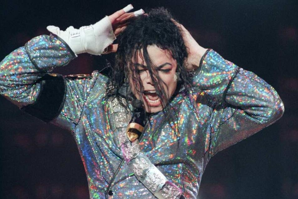 """Sänger Michael Jackson starb 2009 und galt als """"King of Pop""""."""