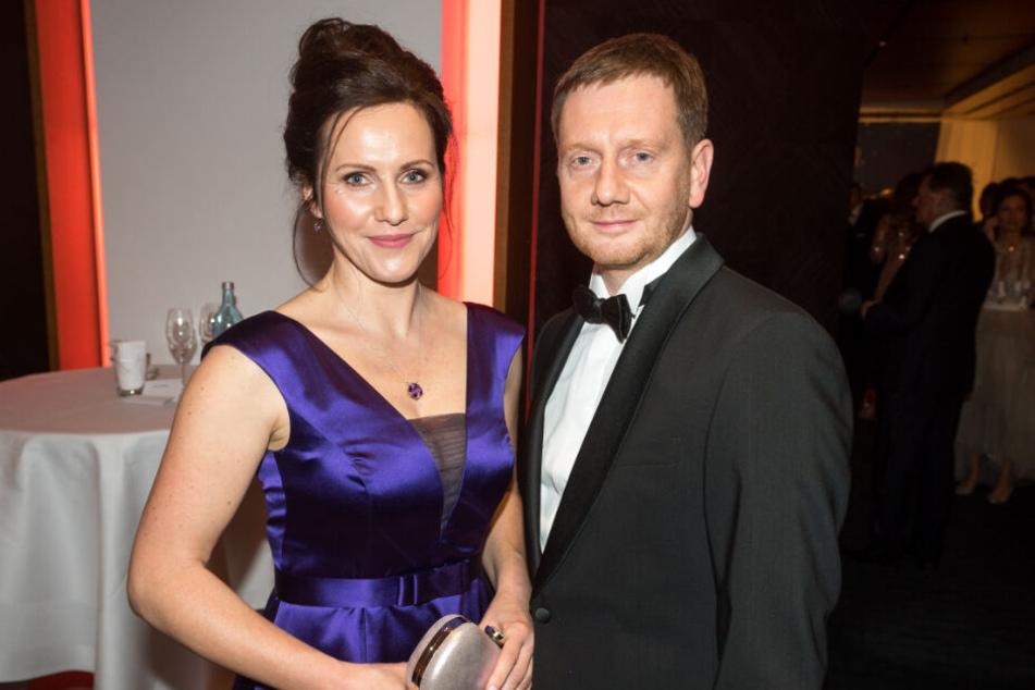 Michael Kretschmer und Gattin Annett Hofmann leiteten den Ball mit einem Tanz ein.
