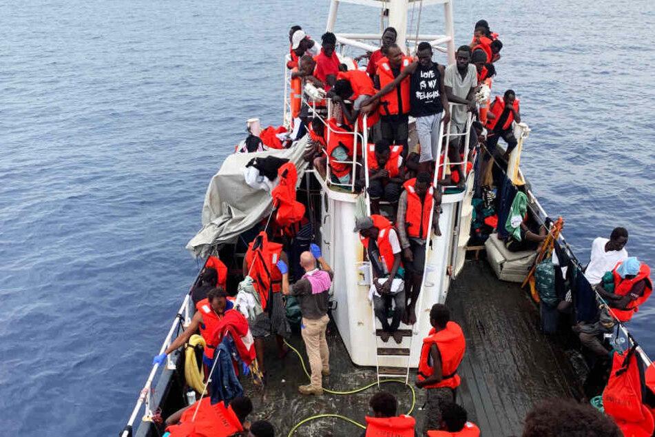 """Hilfsorganisation: Rettungsschiff """"Eleonore"""" darf nach Italien!"""