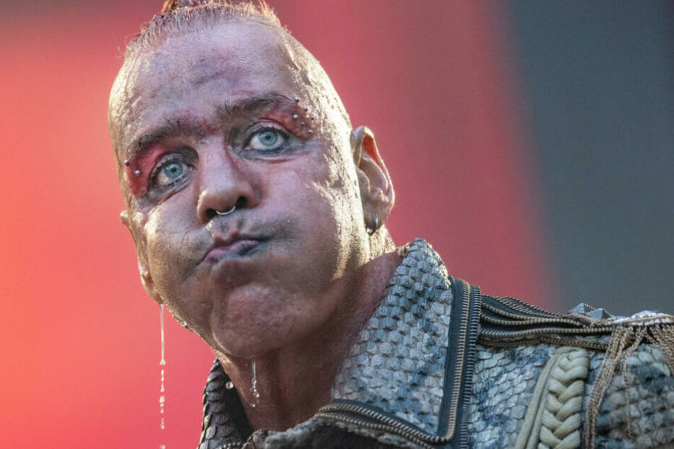 Till Lindemann, Frontsänger der deutschen Rockband Rammstein, singt auf der Tour 2019.