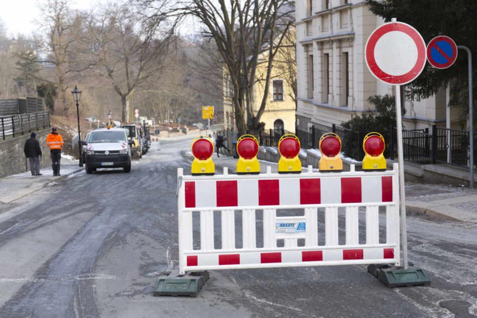 Die Karlsbader Straße ist zwischen der Waldschlösschenstraße und dem Abzweig Bodelschwingstraße voll gesperrt.