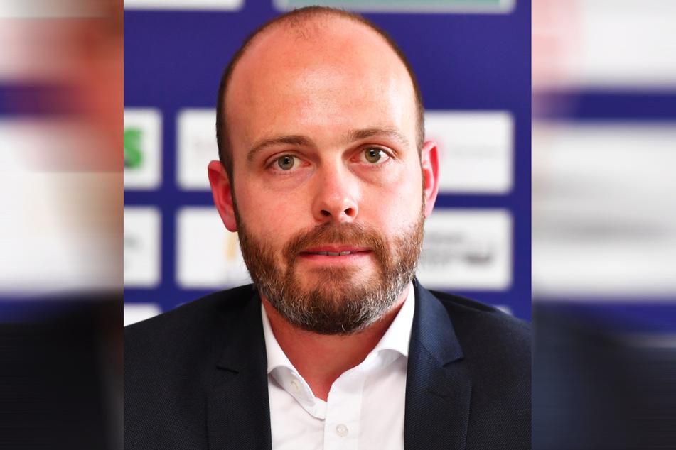 Eislöwen-Geschäftsführer Maik Walsdorf und sein Team hatten eine schöne Geste für Evan Trupp (33) geplant.
