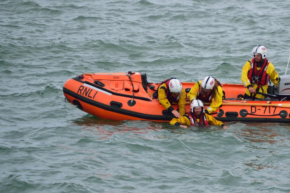 10-Jähriger treibt hilflos auf die Nordsee und überlebt dank Tipps aus dem Fernsehen