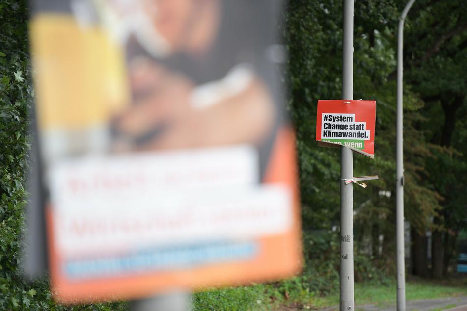 NRW-Parteien beklagen Zerstörung von Wahlplakaten