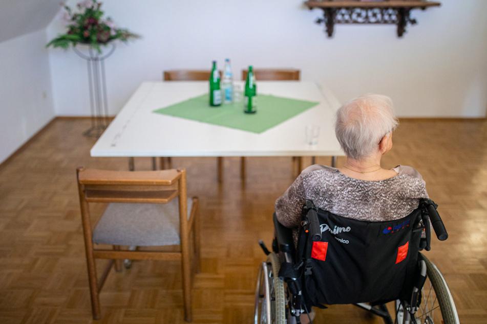 München: Pflegefall zur Kasse gebeten: So teuer wird die Heimbetreuung in Bayern