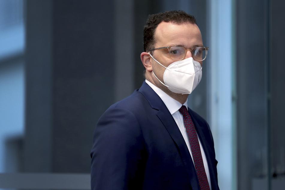 Bundesgesundheitsminister Jens Spahn (40, CDU) steht aktuell im Kreuzfeuer der (SPD-)Kritik.