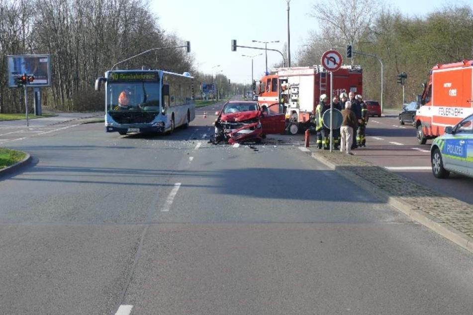 Der Pkw erlitt bei dem Unfall einen Totalschaden.