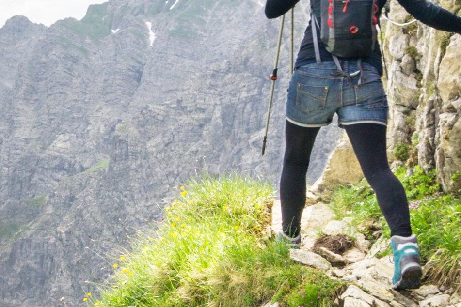 Schutzengel mit Überstunden: Frau stürzt in Alpen 60 Meter in die Tiefe und ist am Leben!