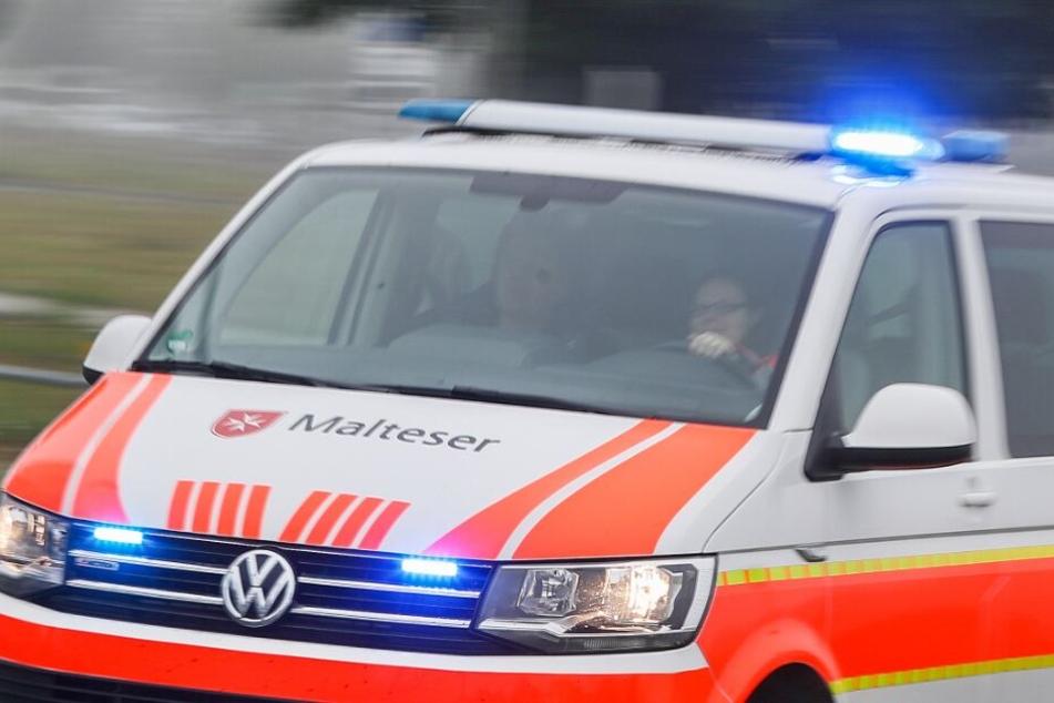 Die beiden Auto-Insassen wurden leicht verletzt. (Symbolbild)