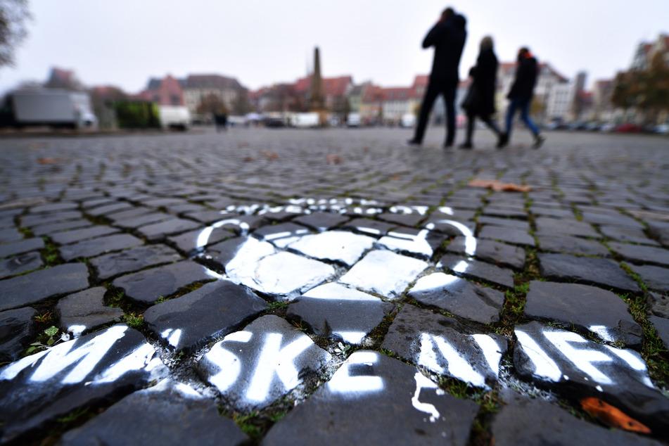 In Erfurt gilt teils im Freien eine Maskenpflicht.