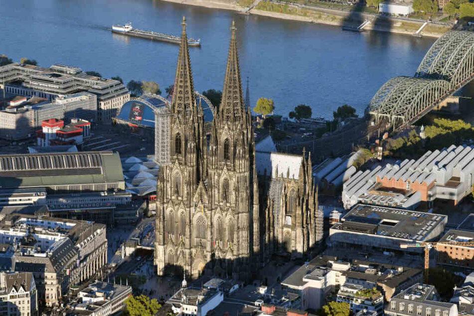 Der Kölner Dom wurde beschädigt.