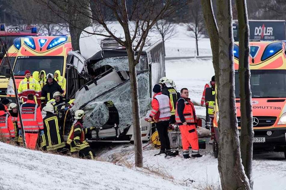 Der Rettungdienst musste sich um die verletzten Personen kümmern.