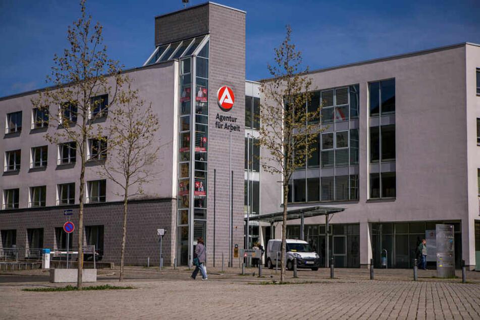 Leipzig: Leipzig: Messer-Überfall an Agentur für Arbeit