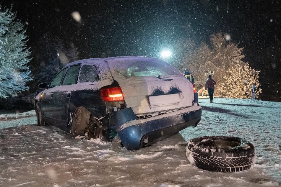 Auf der B169 in Neuensalz kam es am Dienstagabend zu einem Crash. Ein Audi (im Bild) krachte mit einem Seat zusammen.