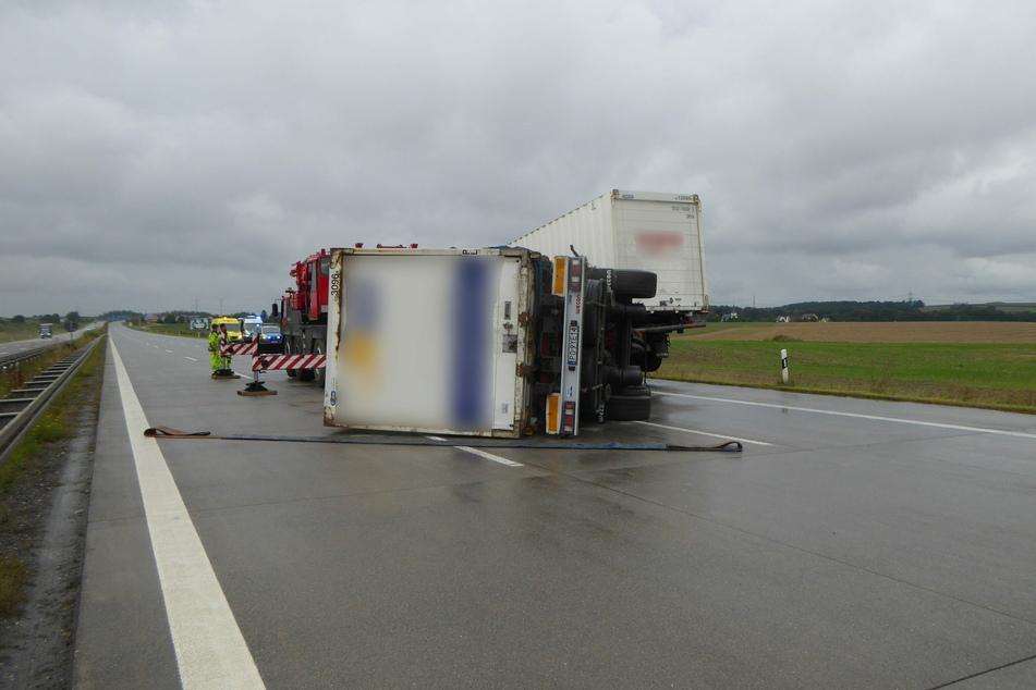Ein umgekippter Laster führte am Montagmittag zu kilometerlangem Stau auf der A4 bei Meerane.