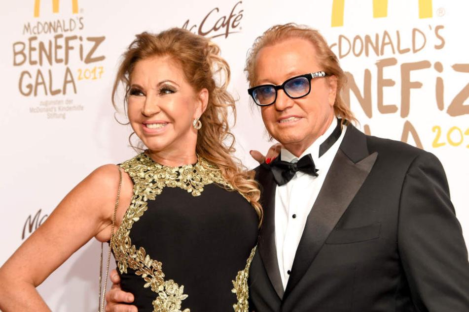Robert und Carmen Geiss strahlen auf einer Benefizgala. Werden sie auch noch lächeln, falls er Kläger mit seinen Forderungen Erfolg hat? (Archivbild)