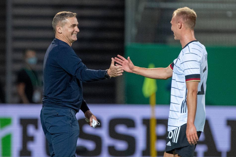 """Zwei, die sich verstehen: """"U21""""-Bundestrainer Stefan Kuntz (l.) setzt auf Florian Krüger. Dieser will sich jetzt für die EM im Sommer bewerben."""
