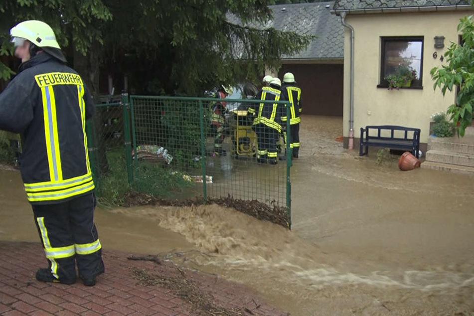 Starkregen mit bis zu 70 Litern pro Quadratmeter sorgten für Überschwemmungen.