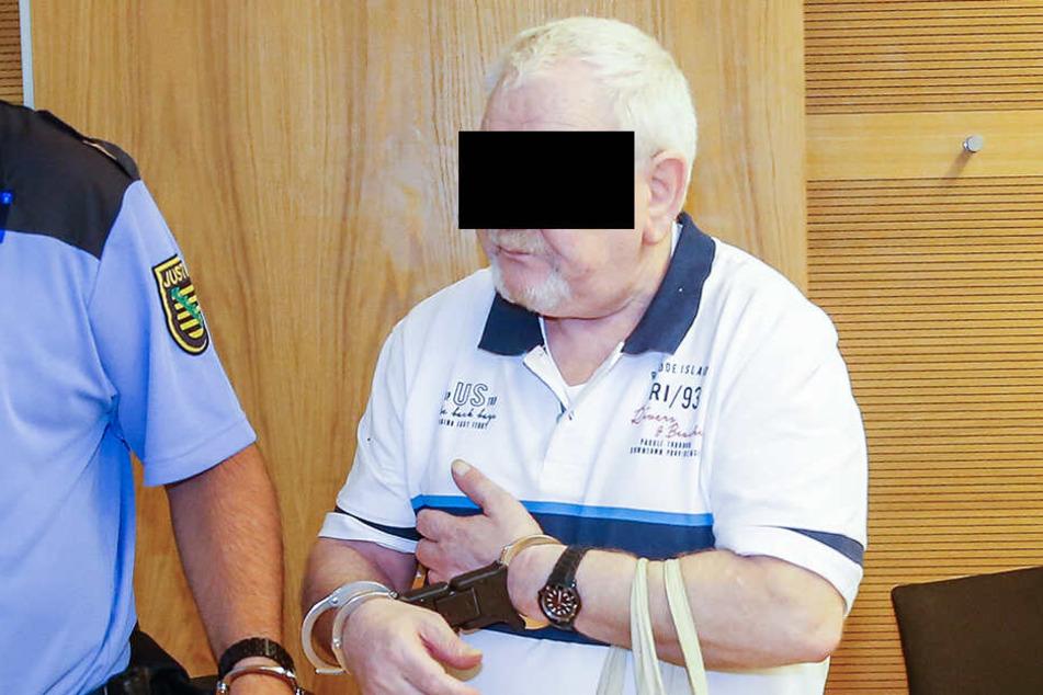 Der Kinderschänder Bernd M. (69) muss im Gefängnis bleiben.