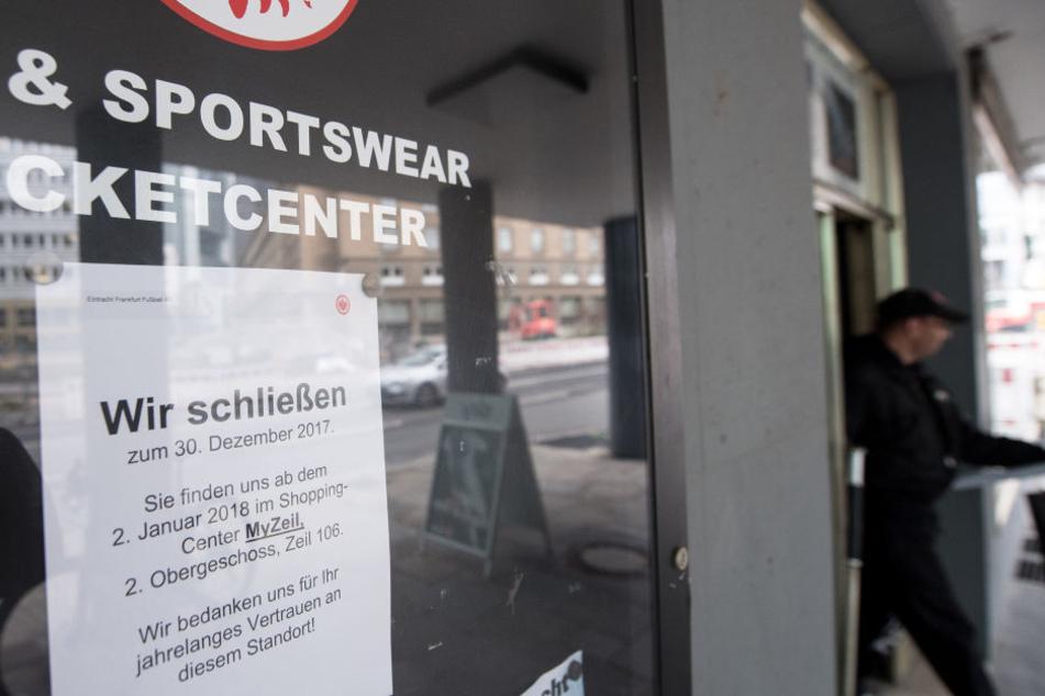 """Die Eintracht eröffnete bereits einen neuen Fanshop im Shopping-Center """"MyZeil""""."""