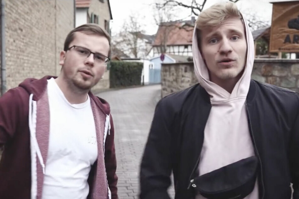 """Zusammen mit dem Künstler """"JanicVersaci"""" nahm der 23-Jährige den Song """"#wok4hfm"""" auf."""