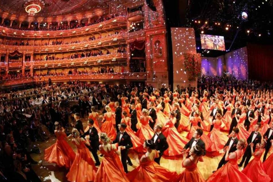 Die Performance der Debütanten-Paare gehörte zu den Höhepunkten des Abends.