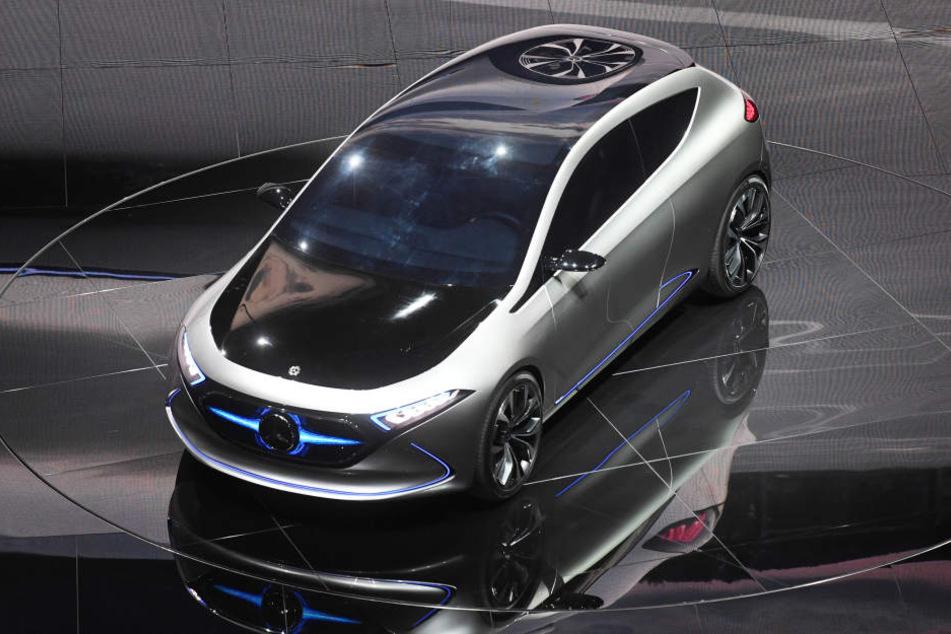 Das Mercedes EQA Concept macht bei den Besuchern auf der Automesse in Guangzhou mächtig Eindruck. (Archivbild)