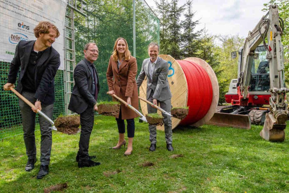 Hartmut Mangold, Ellen Greifeneder (atene KOM) und Jens Kliemt (Eins Energie).