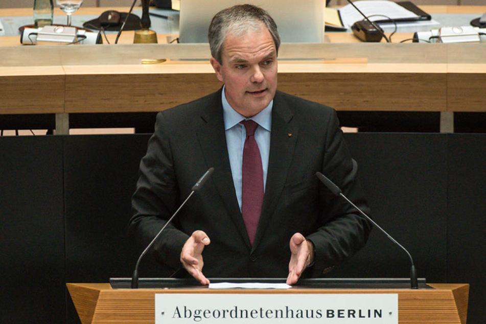 Burkard Dregger ist entsetzt über die Mängel der Anti-Terror-Ausrüstung der Berliner Polizei.