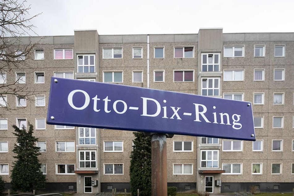 Ein Toyota wurde am Otto-Dix-Ring geklaut.