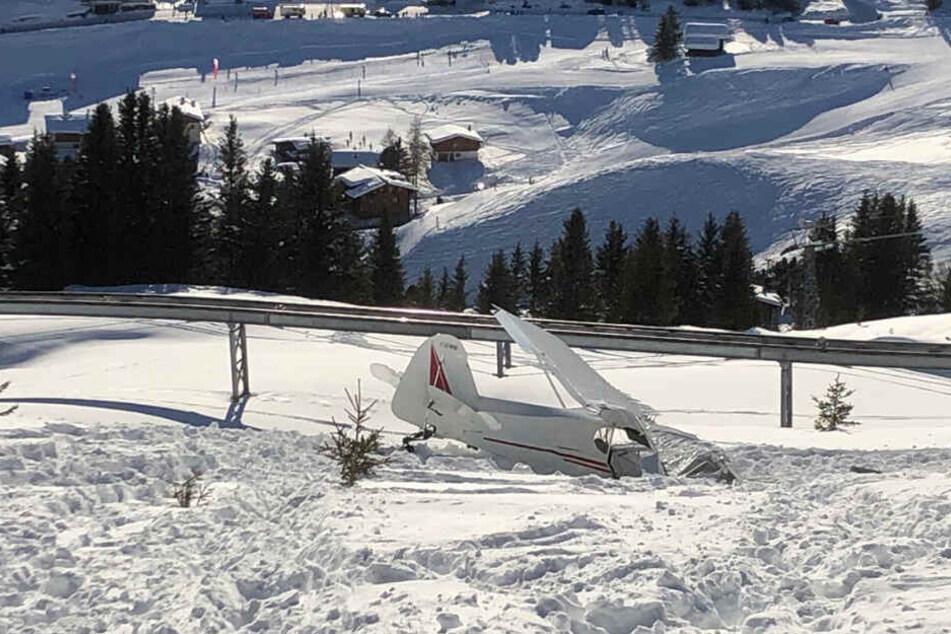 Wie die Kantonspolizei mitteilte, wurden die Ermittlungen zur Unfallursache aufgenommen.