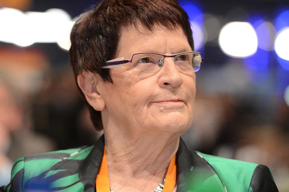 Von 1988 bis 1998 leitete die 80-jährige CDU-Politikerin das Parlament und war maßgeblich am Umzug der Regierung von Bonn nach Berlin beteiligt.