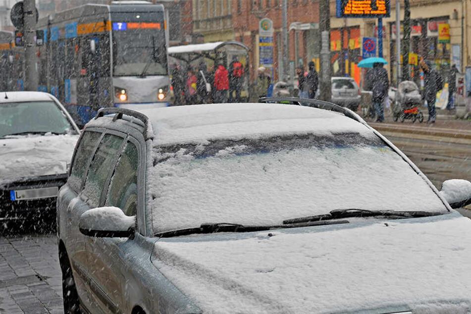 Nichts geht mehr! Schnee-Chaos bringt Leipzigs ÖPNV zum Erliegen