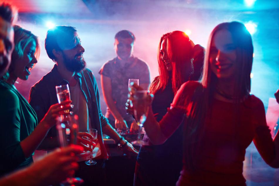 Mit nur einem Ticket lässt sich in zehn Clubs des Stadtteils tanzen. (Symbolbild)
