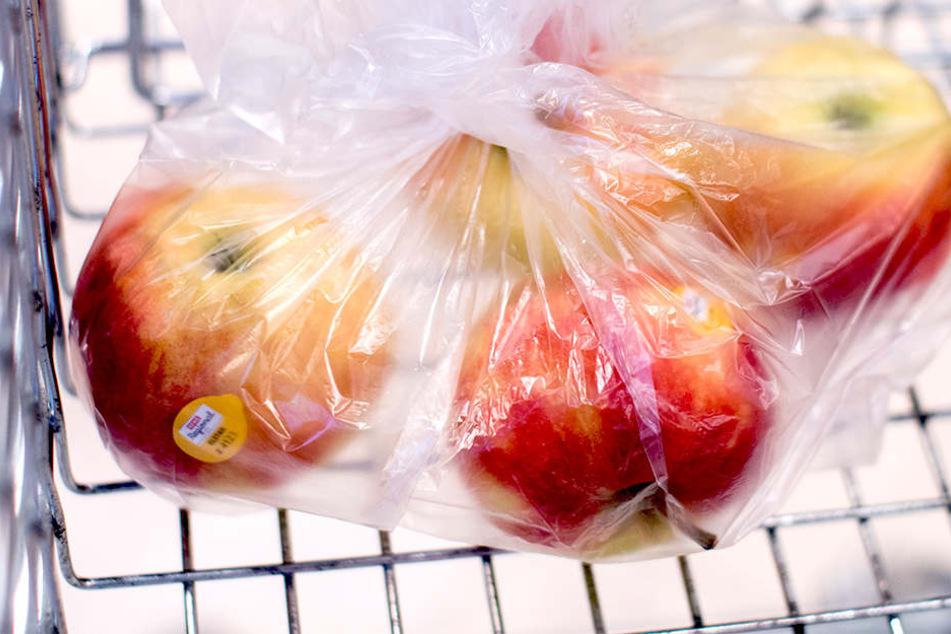 "Laut Greenpeace sind neun von zehn deutschen Äpfeln mit mehreren Pestiziden ""verseucht""."