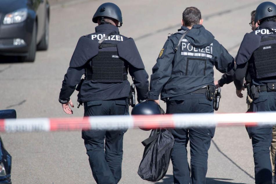 Die Polizei fand die fertige Bombe bei einer Durchsuchung. (Symbolbild)
