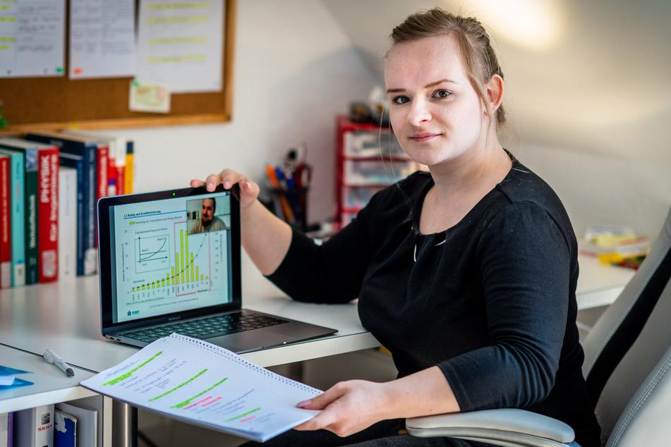 Mittweida-Studentin Katja Groß (22) lernt von zu Hause aus. Online-Vorlesungen sind in Corona-Zeiten an der Hochschule mittlerweile die Regel (Archivbild).