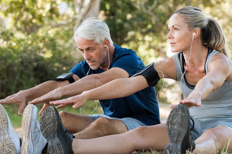 Das Rathaus bietet kostenlose Sportkurse für Senioren an.