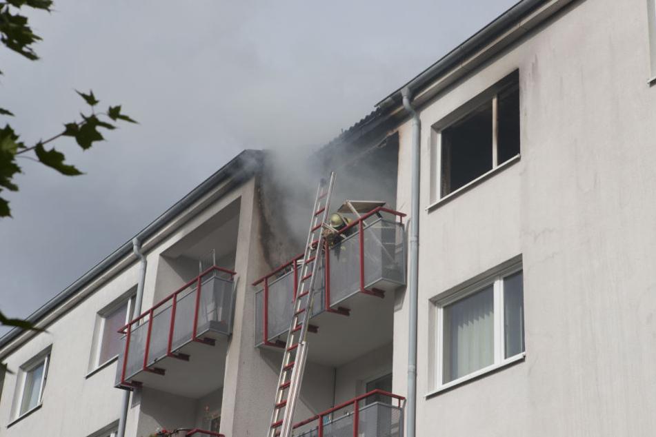 Die Wohnung des 28-Jährigen stand zwischenzeitlich in Flammen.