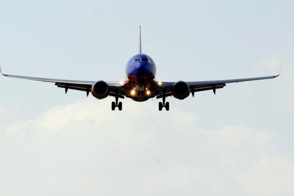 Eskalation im Flugzeug: Yoga-Guru dreht durch!