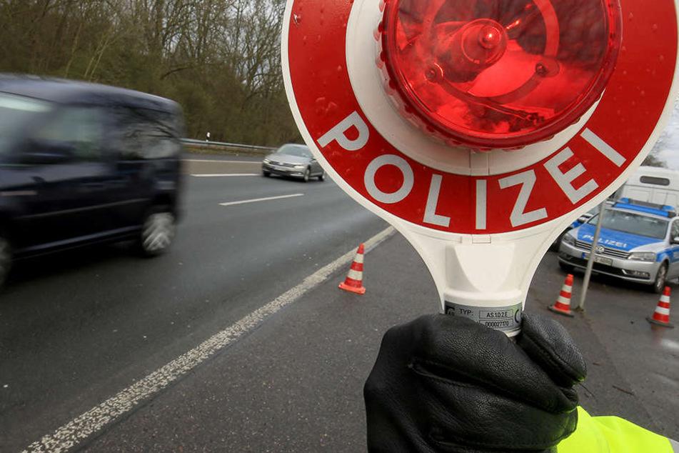 Ein polnischer Pkw-Fahrer versuchte, sich mit allen Mitteln einer Verkehrskontrolle zu entziehen (Symbolbild).
