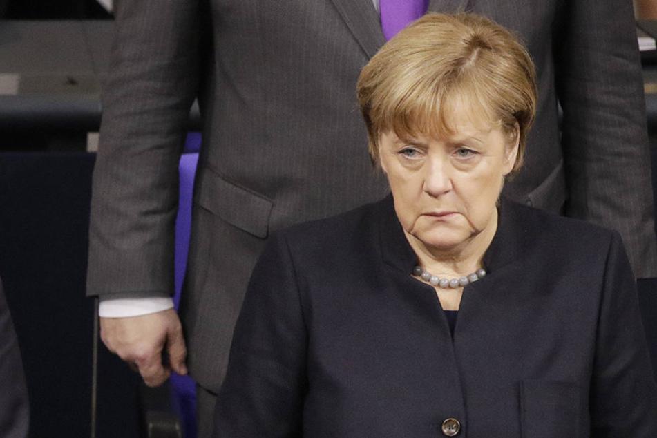 Die CDU-Chefin Angela Merkel (62) will am Freitag mit Parteimitgliedern aus Thüringen, Sachsen, Sachsen-Anhalt, Brandenburg und Berlin in Jena reden.