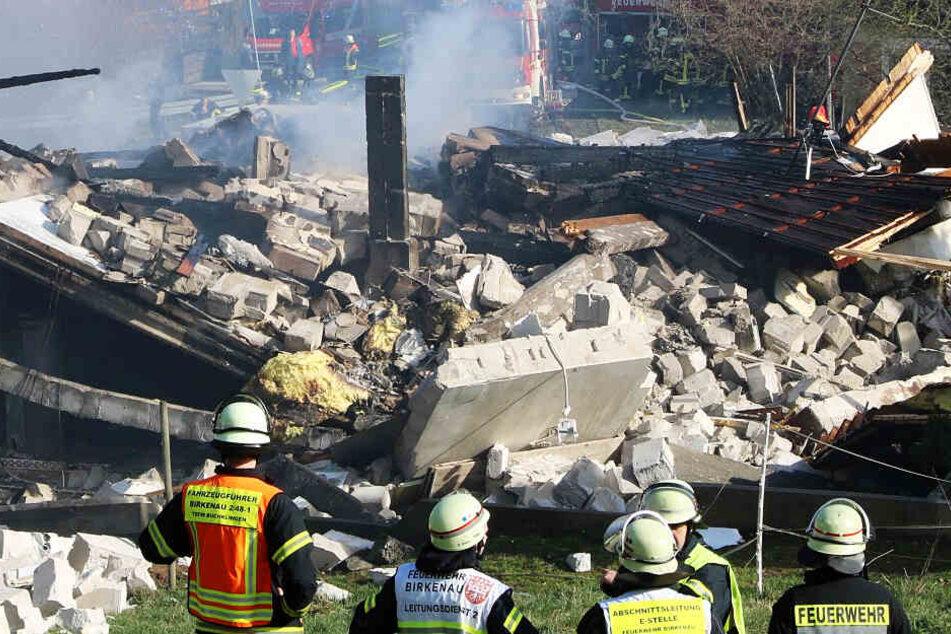 Explosion in Südhessen! Wohnhaus in Birkenau südlich von Darmstadt völlig zerstört