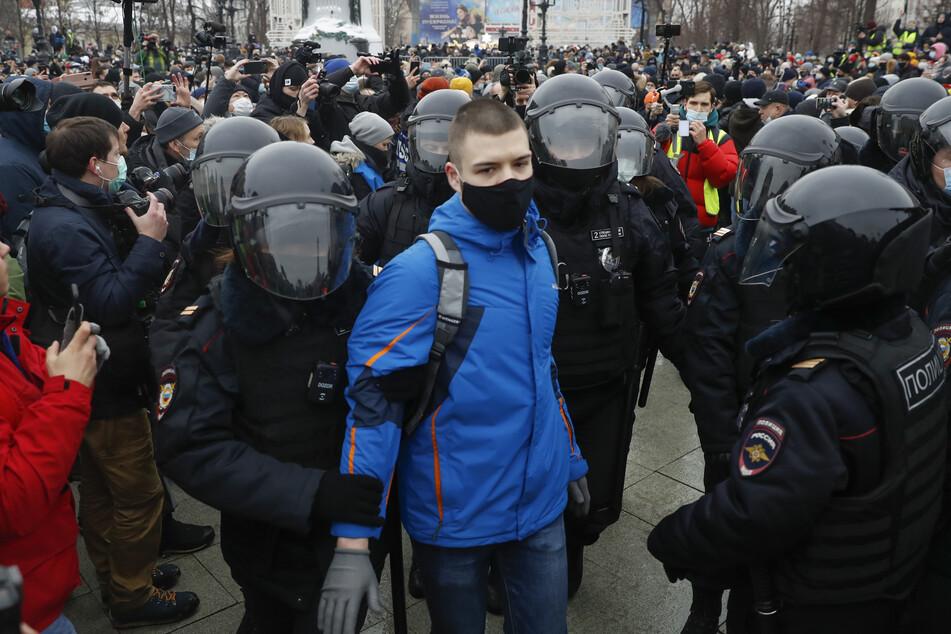 Wie hier in Moskau gab es auch in 90 weiteren russischen Städten Demos von Nawalny-Anhängern.