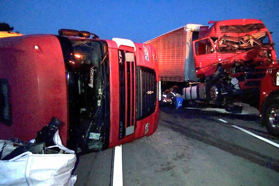 An einem Stauende auf der A2 bei Magdeburg kam es zu dem Auffahrunfall.