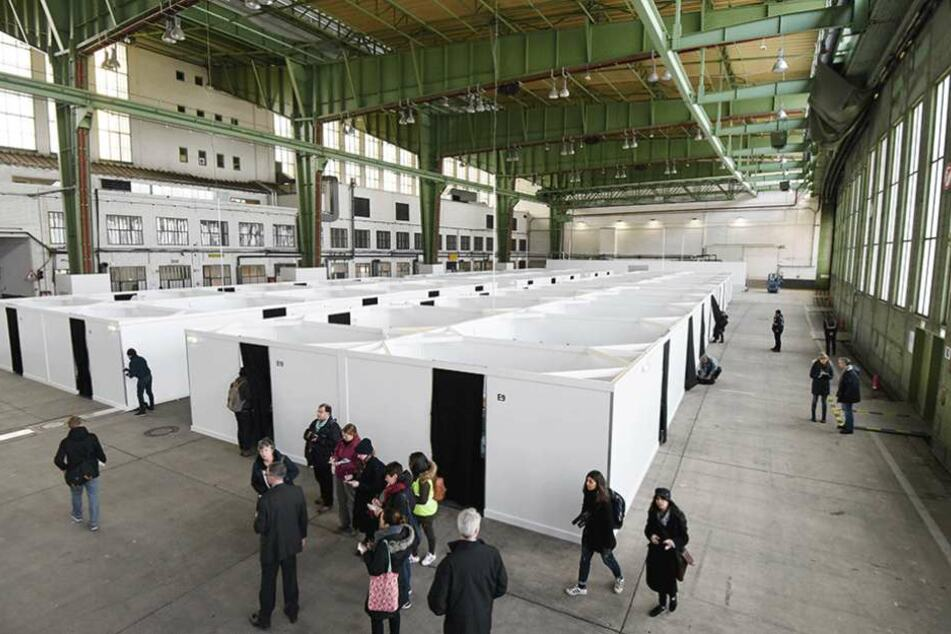 Das Terminal im Flughafen Tempelhof als Notunterkunft für Flüchtlinge.
